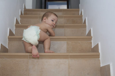Gefährliche Treppen für Babys